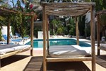 Отель Nuestra Casa-Sai Pet Friendly Hotel & Beach Club