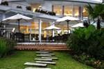 Отель The Hill Hotel & Resort Sibolangit