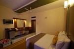 Отель Velan Hotel Greenfields