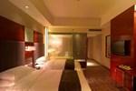 Tie Qiao Jian Guo Hotel