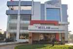Отель The Neelam Executive