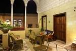 Гостевой дом Fauzi Azar Inn