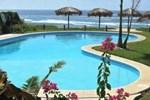 Отель Manta Raya Hotel