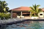 Отель Merang Suria Resort
