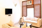 Laurent & Benon Luxury Service Apartment - DLF Phase 1
