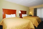 Отель Comfort Inn and Suite - Hamilton Place Mall