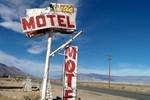 Отель Rustic Oasis Motel