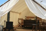 Отель Yellowstone Under Canvas