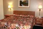 Отель Paynesville Inn & Suites