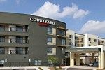Отель Courtyard by Marriott Raleigh North/Triangle Town Center
