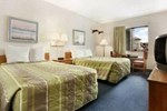 Отель Baymont Inn & Suites Glendale/Milwaukee North