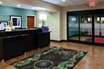 Отель Hampton Inn & Suites Middlebury