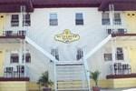 Отель Buttercup Suites