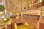 Отель Ashland Hills Hotel & Suites