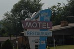 Отель The Blue Jay Motel