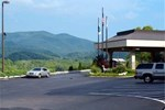 Отель Hampton Inn Caryville-I-75/Cove Lake-State Park