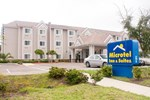 Отель Microtel Inn and Suites Jacksonville Airport