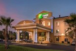 Отель Holiday Inn Express & Suites / Red Bluff - South Redding Area