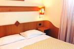 Отель Hotel Meranda