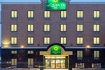 Отель La Quinta Inn Queens