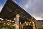 Отель Seattle Airport Marriott