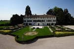Отель Borgo Dei Conti Della Torre