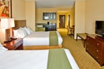 Отель Holiday Inn Express Hotel & Suites Tampa -USF-Busch Gardens