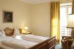 Отель Hotel Kabis