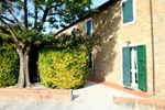 Отель Holiday Home Acquaviva Olivo Montescudaio