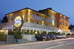 Отель Hotel Castel Lodron
