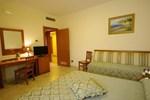 Отель Hotel Maddaloni