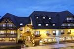 Отель Logis Hotel Au Cheval Blanc