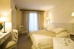 Отель Domaine de Clairefontaine