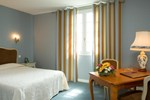 Отель Logis Hotel Les Grands Crus