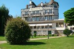Отель Logis Hostellerie Saint Pierre