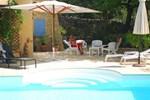 Отель Holiday Home Pres Du Pont Du Gard Castillon Du Gard