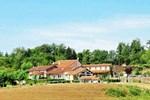 Апартаменты Holiday Home Le Grand Charente Dordogne Roussines