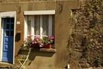 Отель GwenCameron Cottage