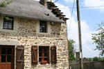 Апартаменты Holiday Home Entre Clermont Ferrand Et Montlucon