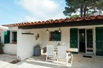 Апартаменты Holiday Home Entre Collines Et Plage Saint Maxime