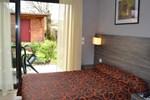 Отель Hotel Restaurant Le Relais des Cinq Routes