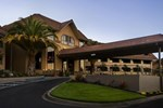 Отель Best Western PLUS Novato Oaks Inn
