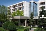 Отель Hotel Dumbrava
