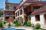 Отель Perla Family Hotel