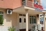 Отель Hotel Fantasy