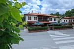 Отель Zlaten Rozhen Hotel