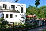 Гостевой дом Restaurace a penzion Zděná Bouda Bouda