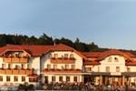 Отель Wander- und Wellnesshotel Hüttenhof