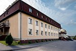 Отель Hotel Zielonki
