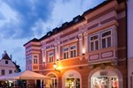 Отель Barokk Hotel Promenád
